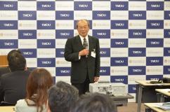 記者懇談会における学長講演