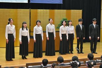 本学混声合唱団の合唱