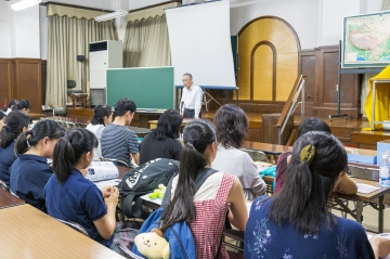 座学(湯島聖堂の歴史と本学との関わりなどの解説)