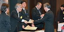 烏山 一 理事・副学長が科学技術分野の文部科学大臣表彰 科学技術賞(研究部門)を受賞しました