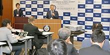 創立記念日行事の一環として記者懇談会(平成27年度第3回)を開催しました