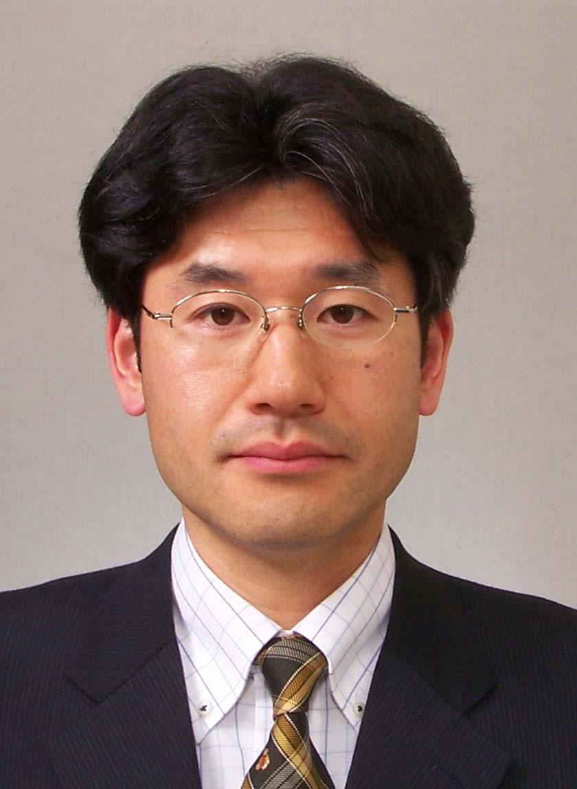 野村准教授の写真 生体材料の研究になぜ金属が?とお思いになられる方は少なくないと思われる...